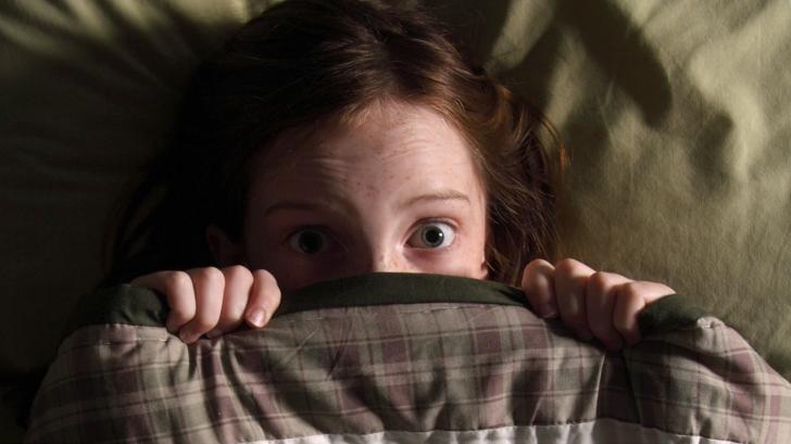 Ребенок боится темноты: причины страха и рекомендации