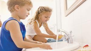 Как научить ребенка мыть руки самостоятельно