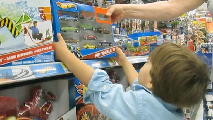 Покупаем игрушки