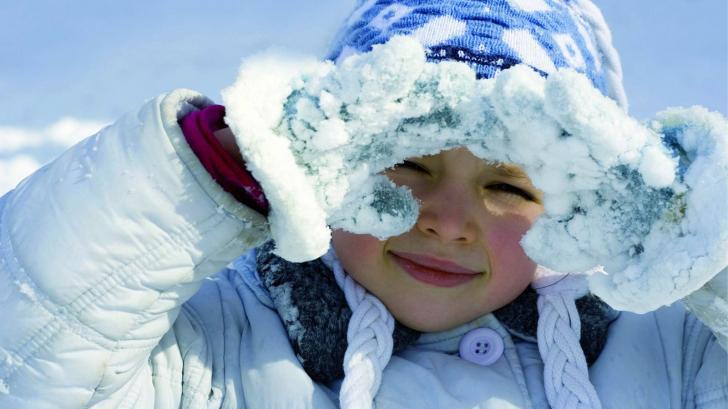 Куда отправить ребенка зимой
