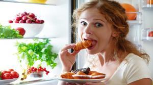 Что нельзя и можно кушать кормящей маме: список продуктов
