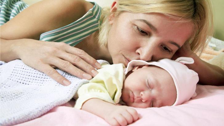 Как разбудить новорожденного ребенка для кормления