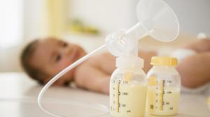 Молокоотсос для сцеживания молока: правильный выбор и использование