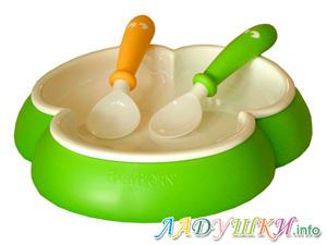 Ложка и тарелка для кормления ребенка