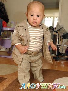 Ребенку одиннадцать месяцев