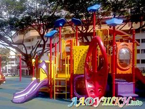 Детская площадку, построенная за счет родителей